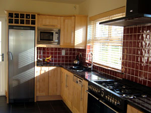 Solid Maple Fitted Kitchen - Image 2