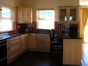 Solid Maple Fitted Kitchen - Image 3